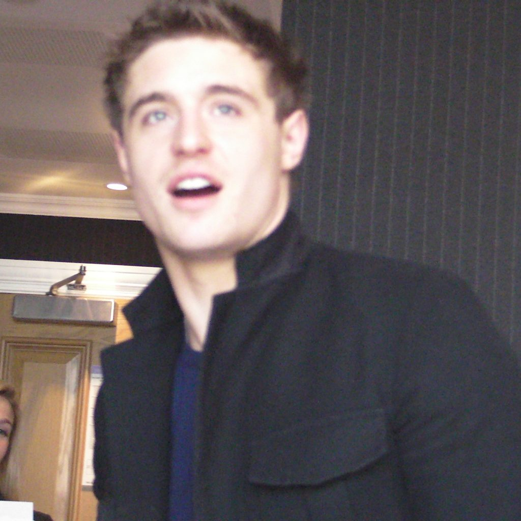 Interviews with Max Irons and Jake Abel The Host!