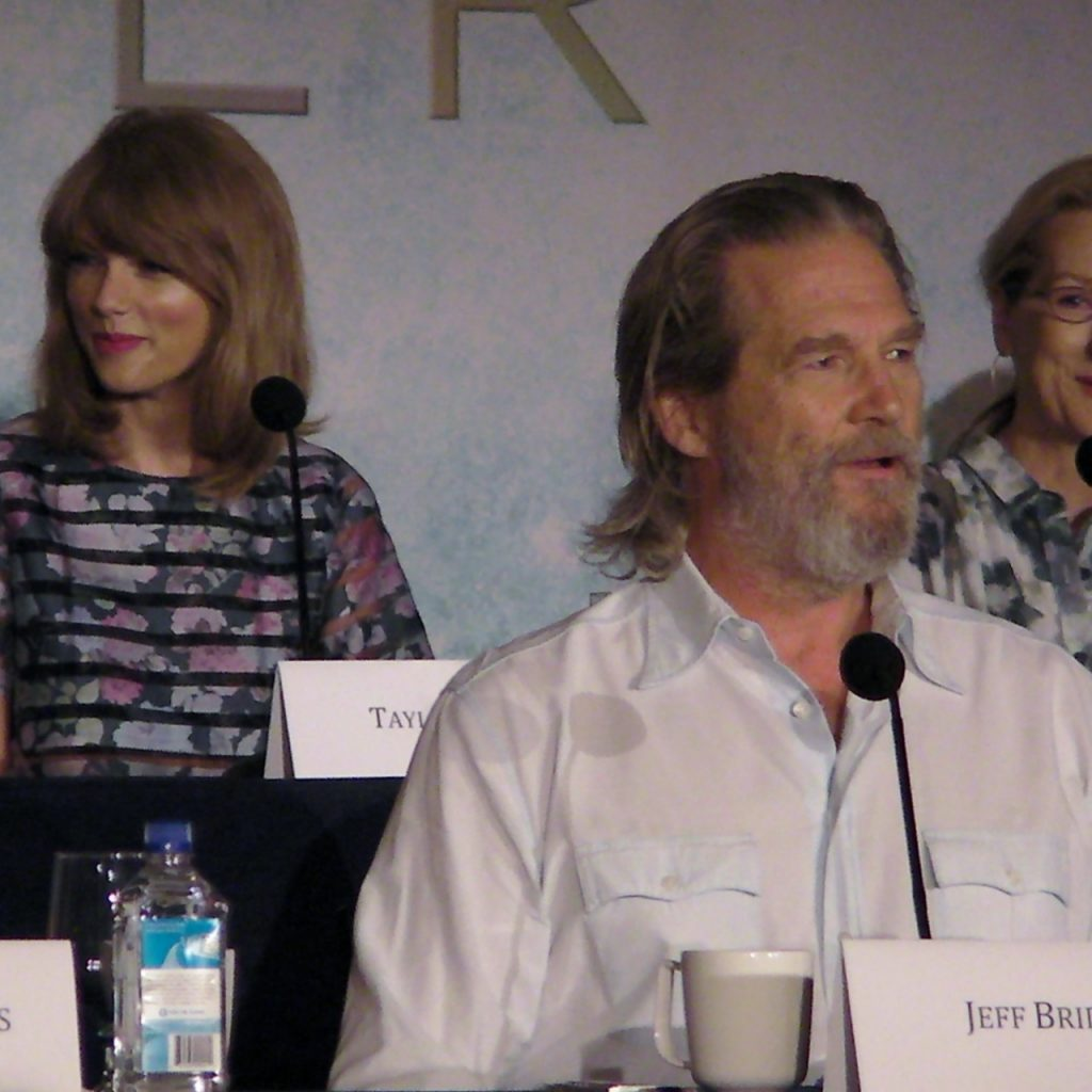 The Giver Red Carpet Coverage.