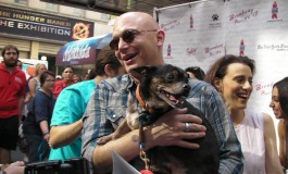 Photo Coverage Broadway Barks Fun Home Strike A Pose!